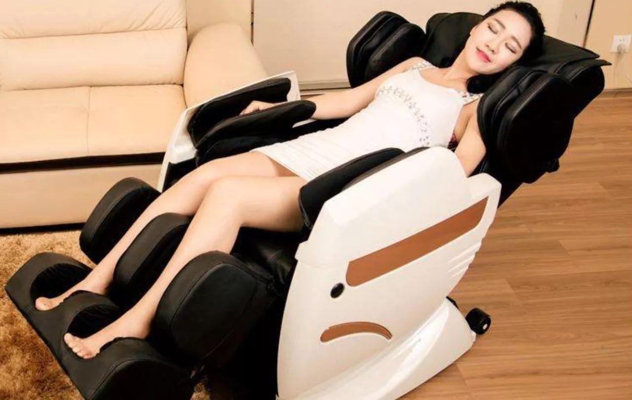 """天然优势与投机趣味并存,共享按摩椅真能""""躺着""""赚钱?"""
